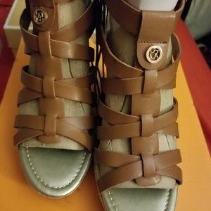 Liz Claiborne women's size 8 sandals